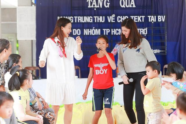 Á hậu Hoàng Oanh, Thuỳ Dung mang trung thu về với trẻ khuyết tật Tây Ninh - Ảnh 9.