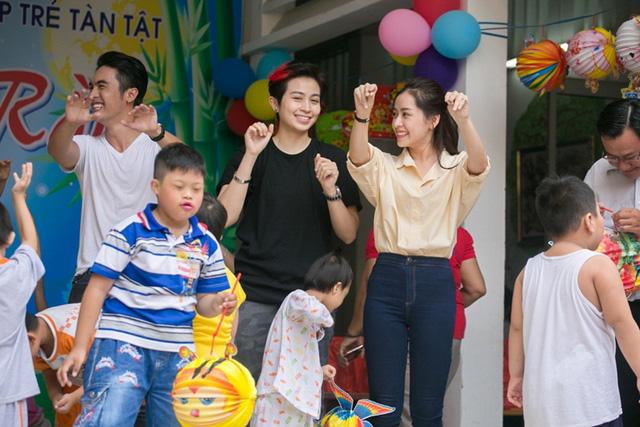 Chi Pu đón Trung thu cùng 150 trẻ khuyết tật - Ảnh 9.