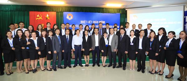 Nguyên Chủ tịch nước Nguyễn Minh Triết thăm và động viên các ĐT Việt Nam - Ảnh 9.