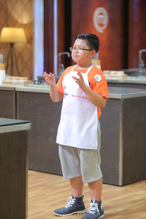 Vua đầu bếp nhí lộ diện tài năng diễn thuyết về ẩm thực - Ảnh 2.