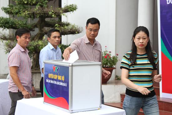 VTV ủng hộ đồng bào miền Trung bị lũ lụt - Ảnh 2.