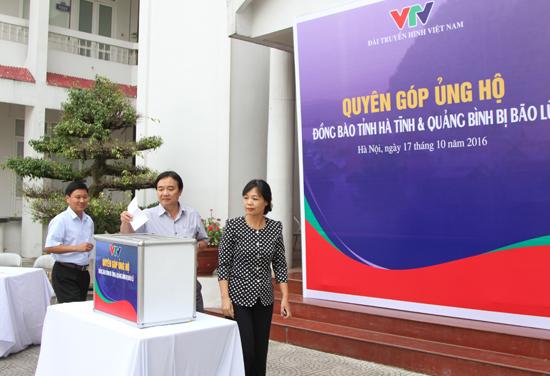 VTV ủng hộ đồng bào miền Trung bị lũ lụt - Ảnh 1.