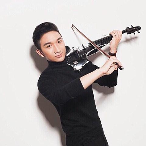Nghệ sĩ violin Hoàng Rob: Sẵn sàng đi cả khi… đang ngủ! - Ảnh 1.