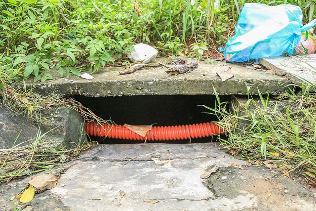 Công ty CP Đại Nam hỗ trợ 100 triệu đồng vụ bé trai bị nước cuốn vào cống - Ảnh 2.