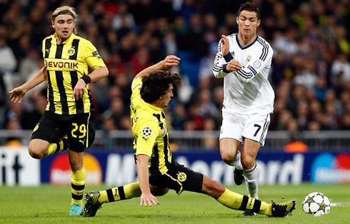 Nhìn lại những cuộc đối đầu giữa Jose Mourinho và Jurgen Klopp - Ảnh 2.