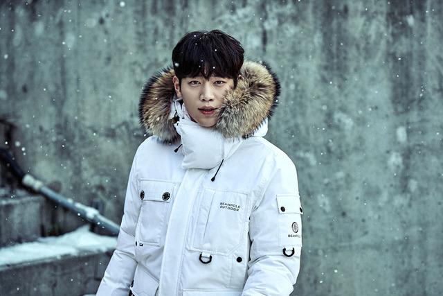 Đối thủ của Kang Tae Oh cực ngầu trong loạt ảnh mới - Ảnh 1.