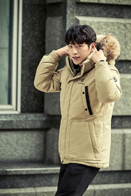 Đối thủ của Kang Tae Oh cực ngầu trong loạt ảnh mới - Ảnh 2.