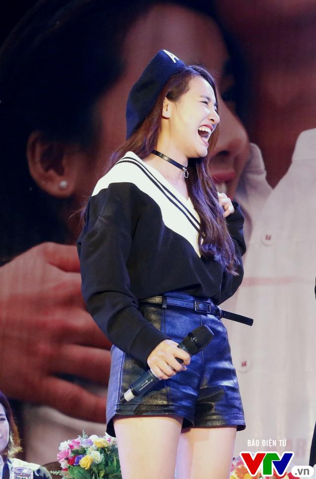 Hôn Nhã Phương bất thành, Kang Tae Oh tay trong tay với Mạnh Trường - Ảnh 10.