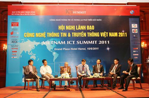 Điểm lại các thông điệp của các kỳ Diễn đàn Cấp cao CNTT-TT Việt Nam - Ảnh 1.
