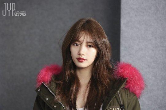 Kể cả trong ảnh hậu trường, Suzy vẫn long lanh như thế này - Ảnh 1.