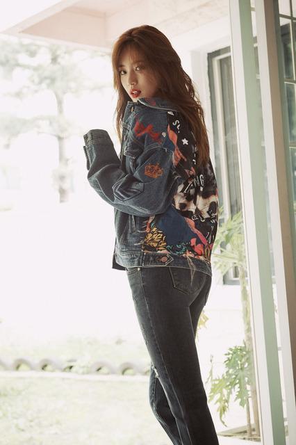 Lee Min Ho tình tứ bên người khác, Suzy lẻ loi một mình - Ảnh 10.