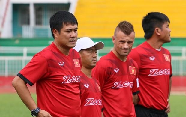 Nghiêm Xuân Tú chia tay AFF Cup 2016 - Ảnh 2.