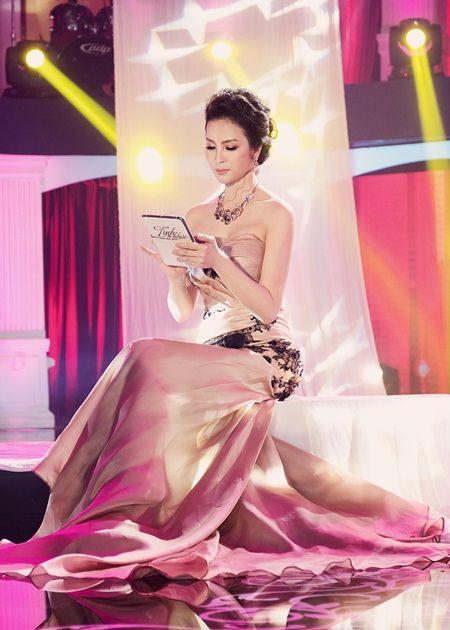 Thanh Mai trẻ trung, duyên dáng trên sân khấu Tình khúc vượt thời gian - Ảnh 3.