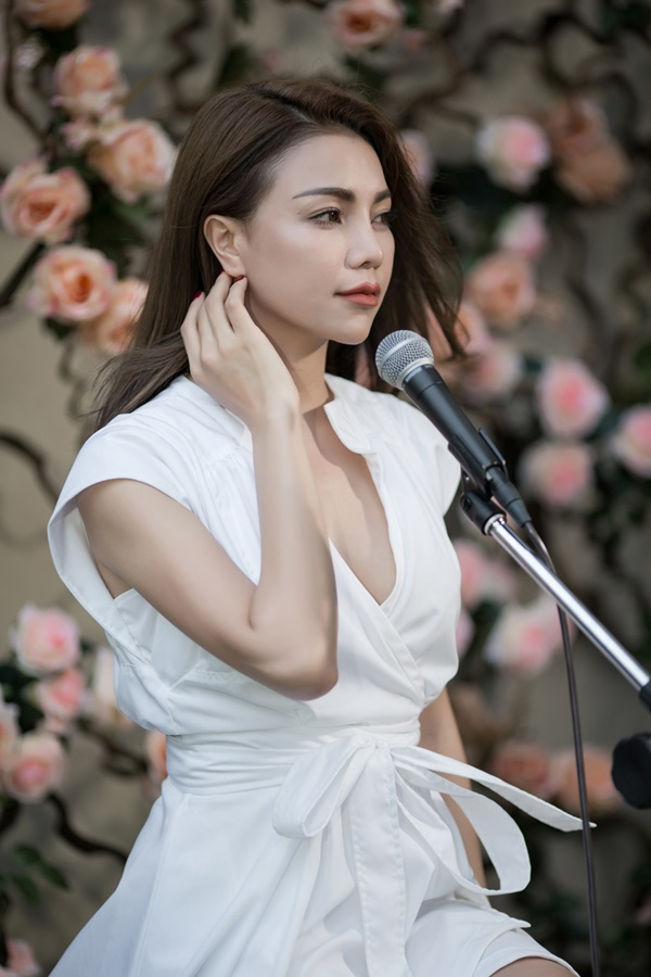 Trà Ngọc Hằng ra mắt MV Nơi anh không thuộc về em - Ảnh 1.