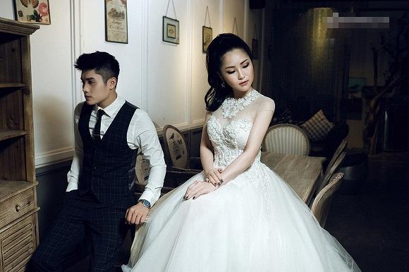 Hương Tràm ngọt ngào trong bộ ảnh cưới - Ảnh 3.