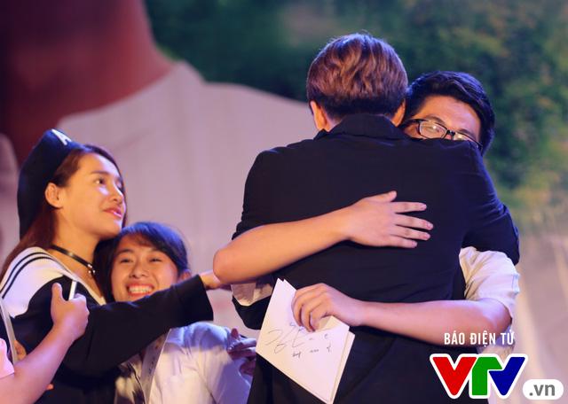 Hôn Nhã Phương bất thành, Kang Tae Oh tay trong tay với Mạnh Trường - Ảnh 14.