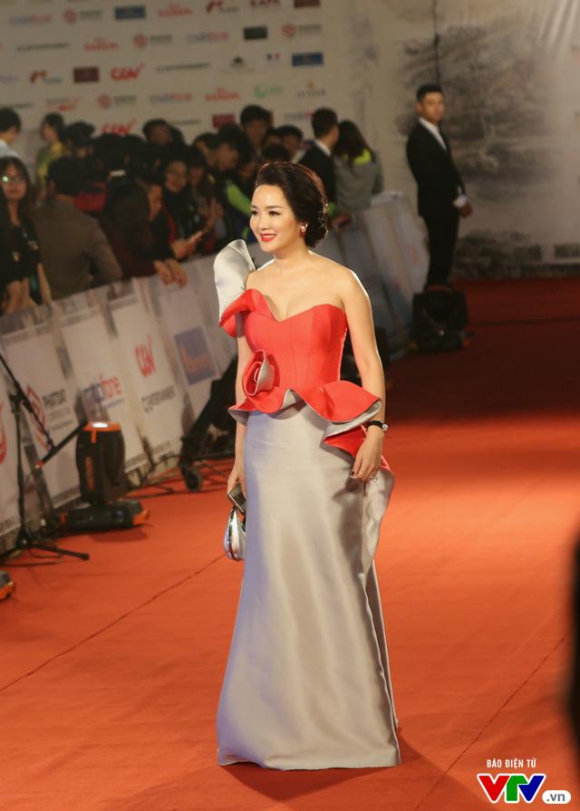 Dàn sao lộng lẫy đổ bộ Liên hoan phim Quốc tế Hà Nội lần thứ IV - Ảnh 4.
