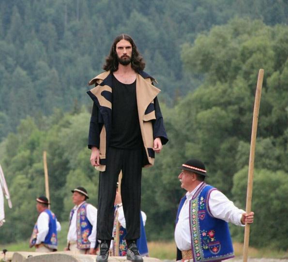Thí sinh khổng lồ nhất lịch sử Top Model cao tới gần 2 mét! - Ảnh 6.