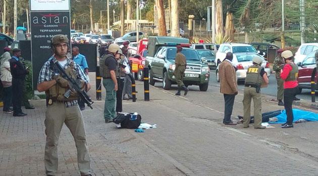 Nổ súng bên ngoài Đại sứ quán Mỹ tại Kenya - Ảnh 2.
