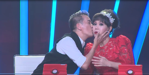 Bước nhảy ngàn cân: Đàm Vĩnh Hưng hôn Việt Hương trên ghế nóng - Ảnh 5.
