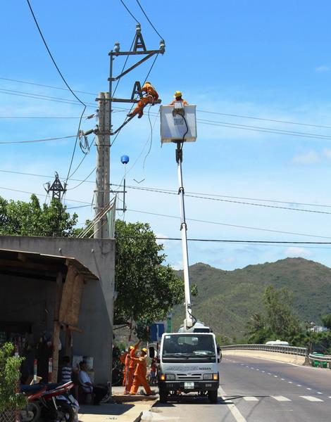 Lắp đặt hệ thống thu thập chỉ số công tơ từ xa tại Quy Nhơn - Ảnh 1.