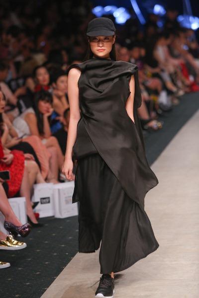"""Soái ca"""" của Tuần lễ thời trang quốc tế Việt Nam đã trở lại - Ảnh 7."""