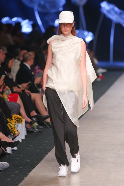 """Soái ca"""" của Tuần lễ thời trang quốc tế Việt Nam đã trở lại - Ảnh 6."""