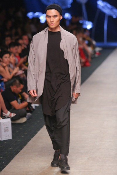 """Soái ca"""" của Tuần lễ thời trang quốc tế Việt Nam đã trở lại - Ảnh 4."""