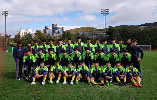 Lãng phí cơ hội, ĐT Việt Nam bị đội bóng sinh viên của Hàn Quốc cầm hòa - Ảnh 1.