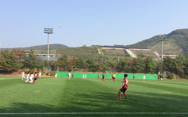 Văn Quyết tỏa sáng, ĐT Việt Nam đánh bại đại diện K.League 3-0 - Ảnh 1.