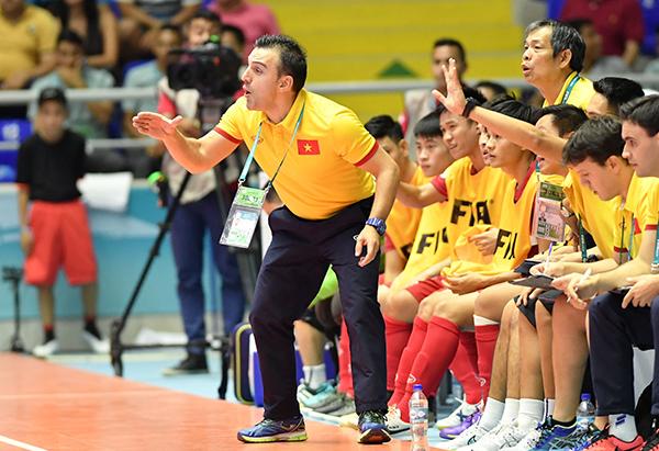 Việt Nam vượt qua vòng bảng FIFA Futsal World Cup 2016 - Ảnh 4.
