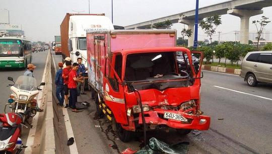 Tai nạn liên hoàn trên Xa lộ Hà Nội (TP.HCM) - Ảnh 1.