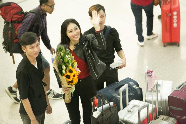 Diệu Ngọc lên đường thi Miss World với... 1 tạ hành lý - Ảnh 4.
