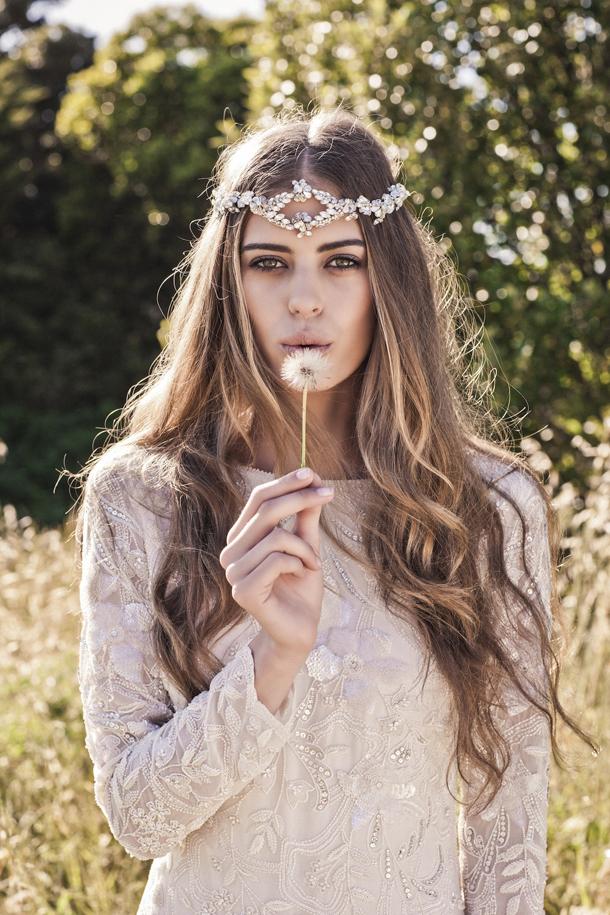 Phụ kiện cài tóc giúp cô dâu thêm tỏa sáng trong ngày cưới - Ảnh 10.