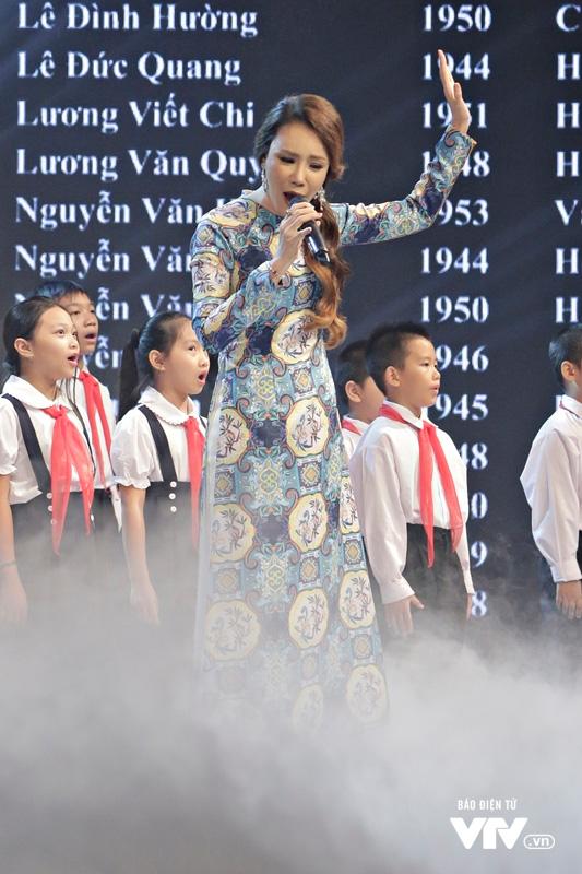 Những hình ảnh cảm xúc của Gala Cặp lá yêu thương: Những đứa con của hòa bình - Ảnh 9.