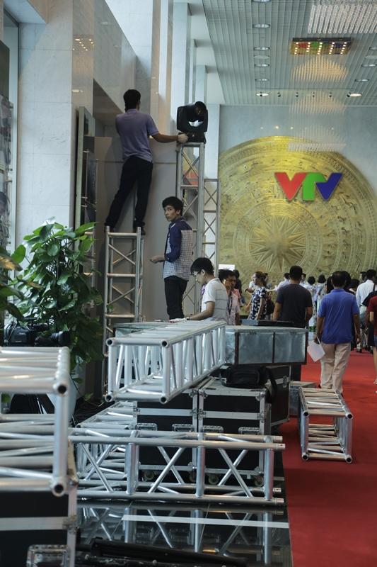 VTV Awards 2017: Tất bật công tác chuẩn bị trước giờ G - Ảnh 11.