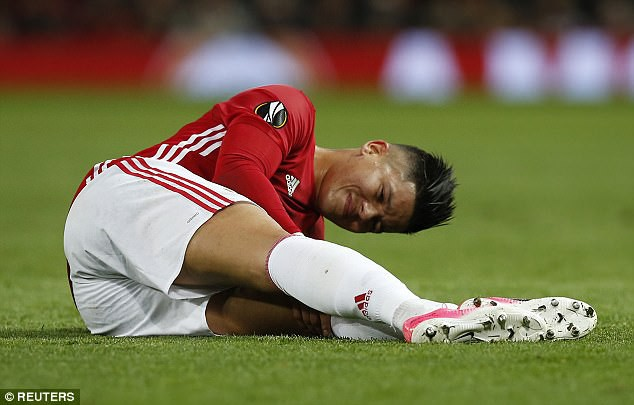 Pogba, Rojo và Carrick đồng loạt trở lại, tăng cường lực lượng cho Man Utd - Ảnh 1.