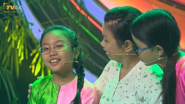 Con gái Chế Linh rơi nước mắt trên sóng truyền hình, Chi Pu đối đầu Trịnh Thăng Bình - Ảnh 1.