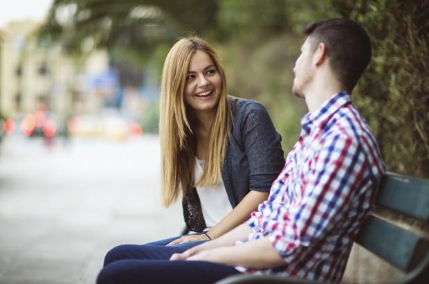 Những dấu hiệu nhận biết chàng muốn quan hệ bạn bè tiến thêm bước nữa - Ảnh 8.