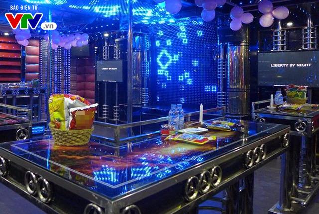 Chủ cơ sở kinh doanh Karaoke lo ngại phá sản vì phí tác quyền 2.000 đồng/bài - Ảnh 1.