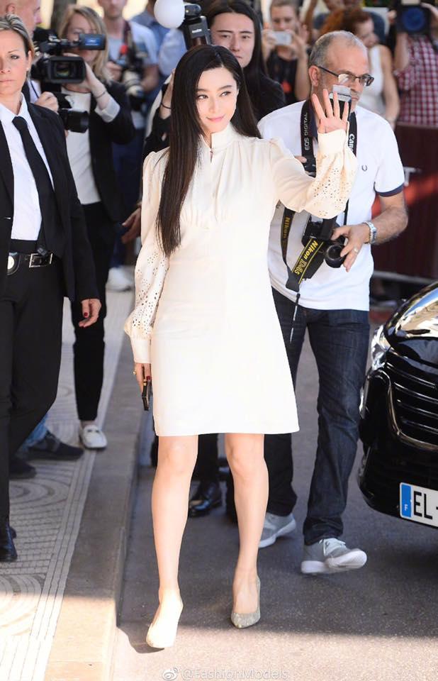 Không diện váy long bào, Phạm Băng Băng vẫn đẹp thoát tục trong ngày đầu ở Cannes - Ảnh 9.