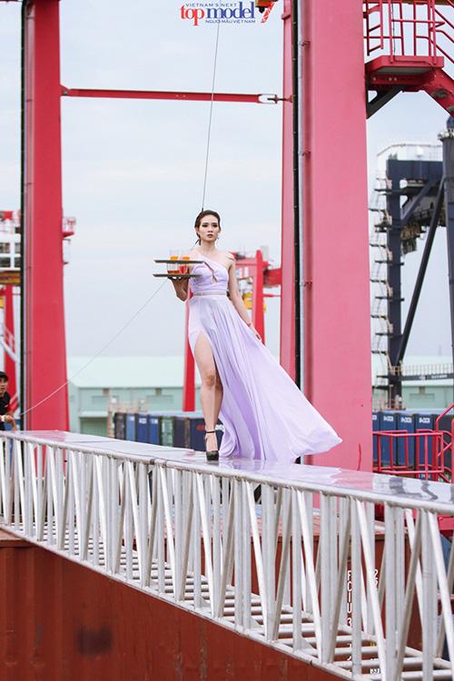 Thót tim những màn phiêu trên không trung của 8 mùa Vietnams Next Top Model - Ảnh 7.