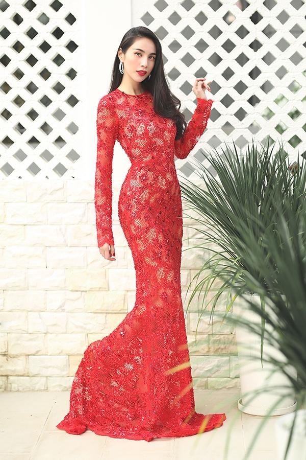 Thủy Tiên đẹp mê đắm trong sắc đỏ nồng nàn - Ảnh 3.
