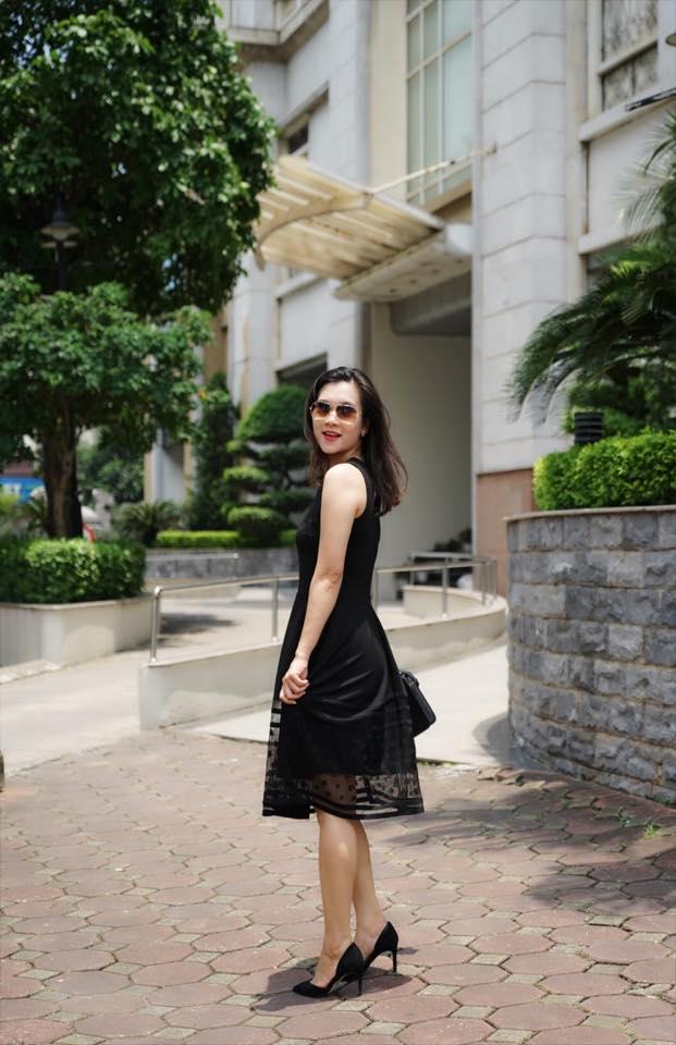 BTV Khánh Trang ghi điểm với gu thời trang thanh lịch, nữ tính - Ảnh 4.