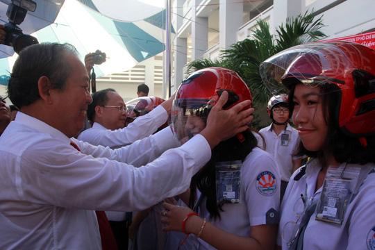 PTTg Trương Hòa Bình dự Lễ khai giảng trường THPT Võ Văn Kiệt (TP.HCM) - Ảnh 2.