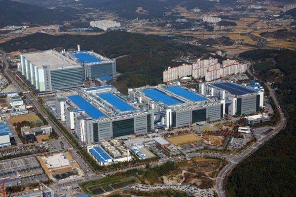 Samsung chi 21 tỷ USD chỉ để phục vụ Apple - Ảnh 1.