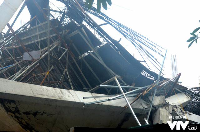 Hiện trường vụ đổ sập công trình trường mầm non Vườn Xanh ở Mỹ Đình - Ảnh 5.