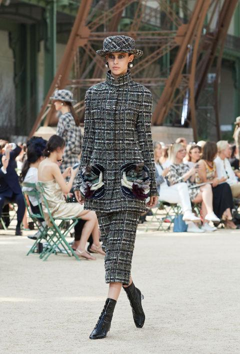 Chanel mang tháp Eiffel lên sàn diễn thời trang cao cấp - Ảnh 14.