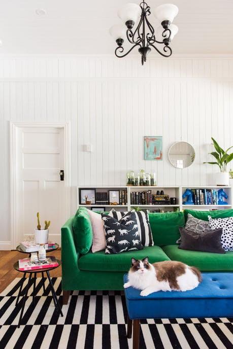 Ngắm căn nhà hiện đại nhiều màu sắc giữa vùng thôn quê - Ảnh 3.
