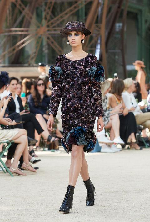 Chanel mang tháp Eiffel lên sàn diễn thời trang cao cấp - Ảnh 11.